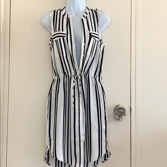 H&M Dresses & Skirts - Navy blue and white striped sleeves dress